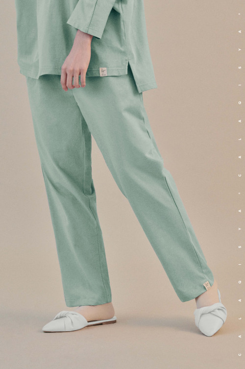 COMFORTWEAR: Breathe Pants  In Aqua Foam