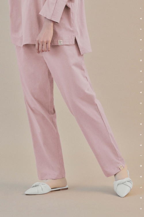 COMFORTWEAR: Breathe Pants  In Chalk Pink