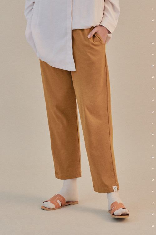 COMFORTWEAR: Breathe Pants  In Desert Sun