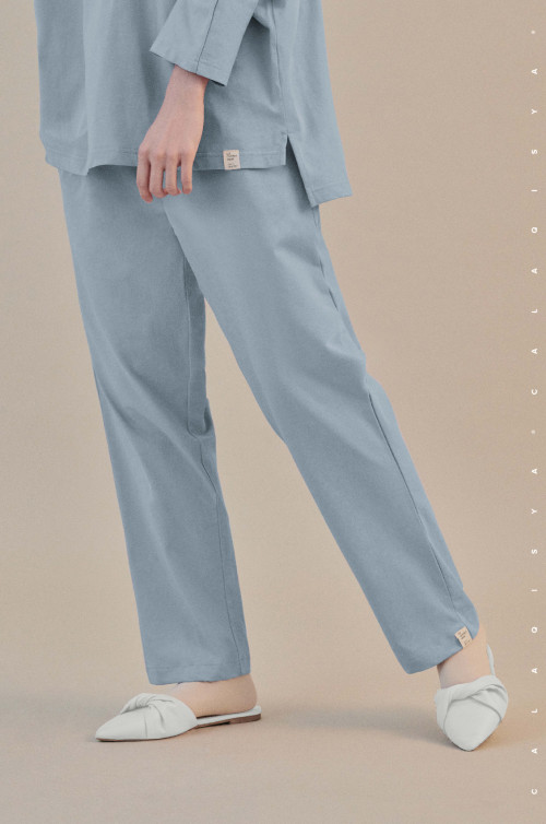 COMFORTWEAR: Breathe Pants  In Sterling Blue