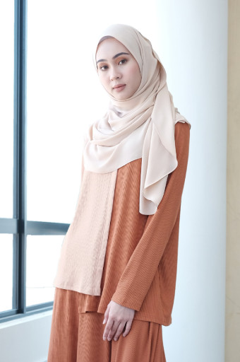 Comfortwear : Duality Taka Top  in  Sheepskin and Cinnamon