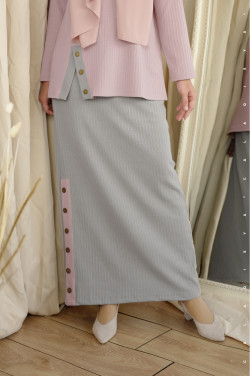 IRONLESS: Comfortwear Faay Skirt In Drizzle Grey