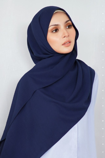 K. Shawl in Blue Black