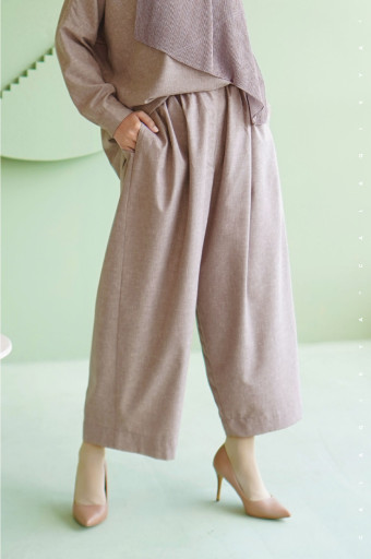 Lawn Pants In Light Taupe Rose