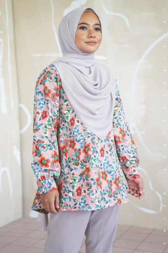 Rere Blouse In Q4