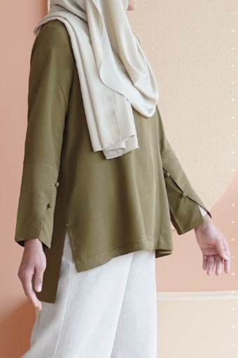 Sada Blouse In Olive Branch