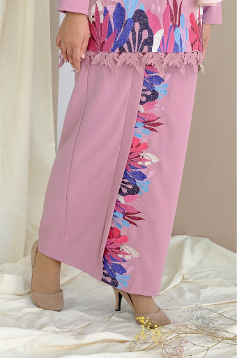 Comfortwear: Taaliya Skirt In Dusty Pink