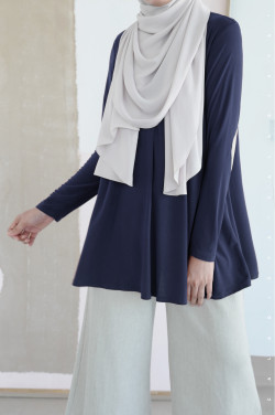 IRONLESS: Yasmeen in Dark Blue