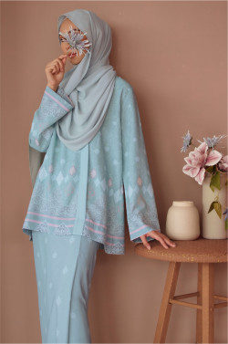 Amaan Wrap Kurong In Pale Mint