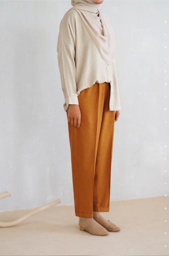 Aster Ankle Pants In Honey Brown