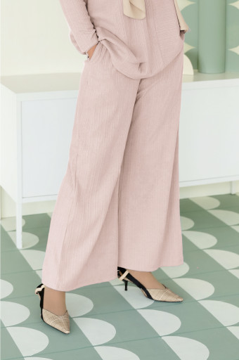 IRONLESS Comfortwear: Cocoon Pants In  Light Pink