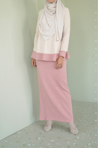 Comfortwear: Akeen Set In Cream And Rose Cloud