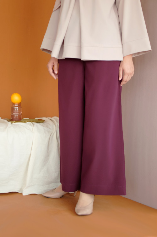 Cora Pants In Port Royale