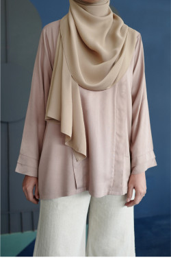 Damai Blouse 2.0 In Light Taupe