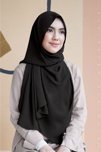 Daniah 2.0 In Black