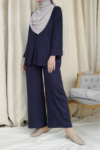 Leah Pants 2.0 (DEFECT) In Navy Blue