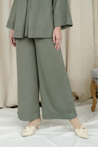 Leah Pants 2.0 (DEFECT) In Elm Green