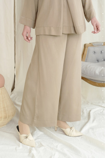 Leah Pants 2.0 (DEFECT) In Almond Buff
