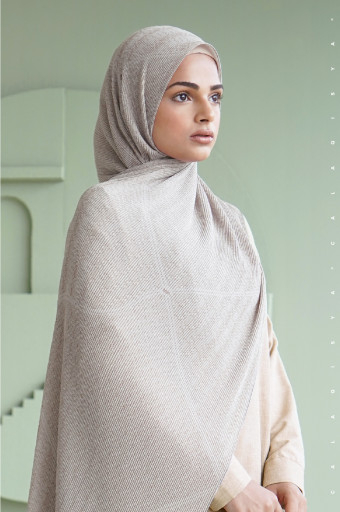 The Monogram Pleated Scarf In Dove Grey