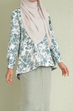 Rere Blouse In S12
