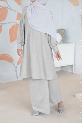 Wafaa Kurong In Grey