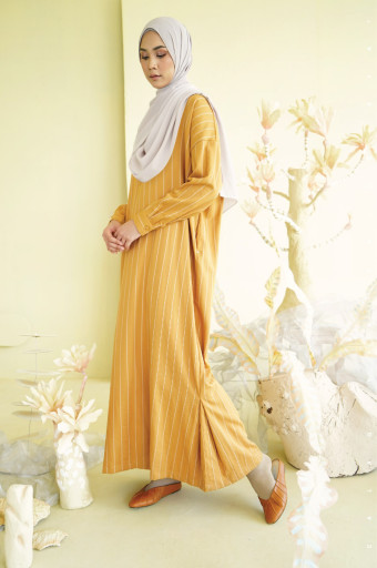Moove Dress In Amber Gold