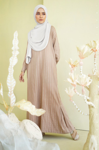 Moove Dress In Camel